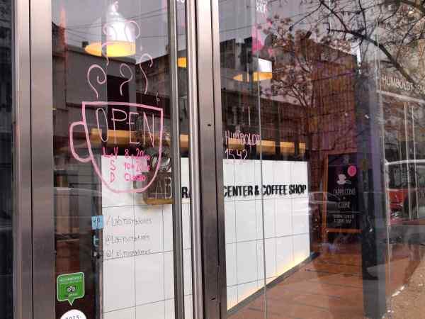 パレルモハリウッドにある  LAB. Tostadores de Café