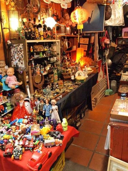 骨董品の隠れ家に来たみたい。