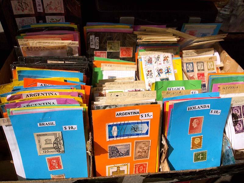 いろいろな国の古い切手たち