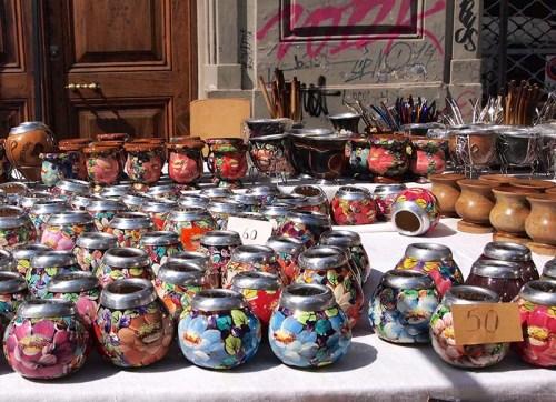 マテ茶のカップはデザインも様々。
